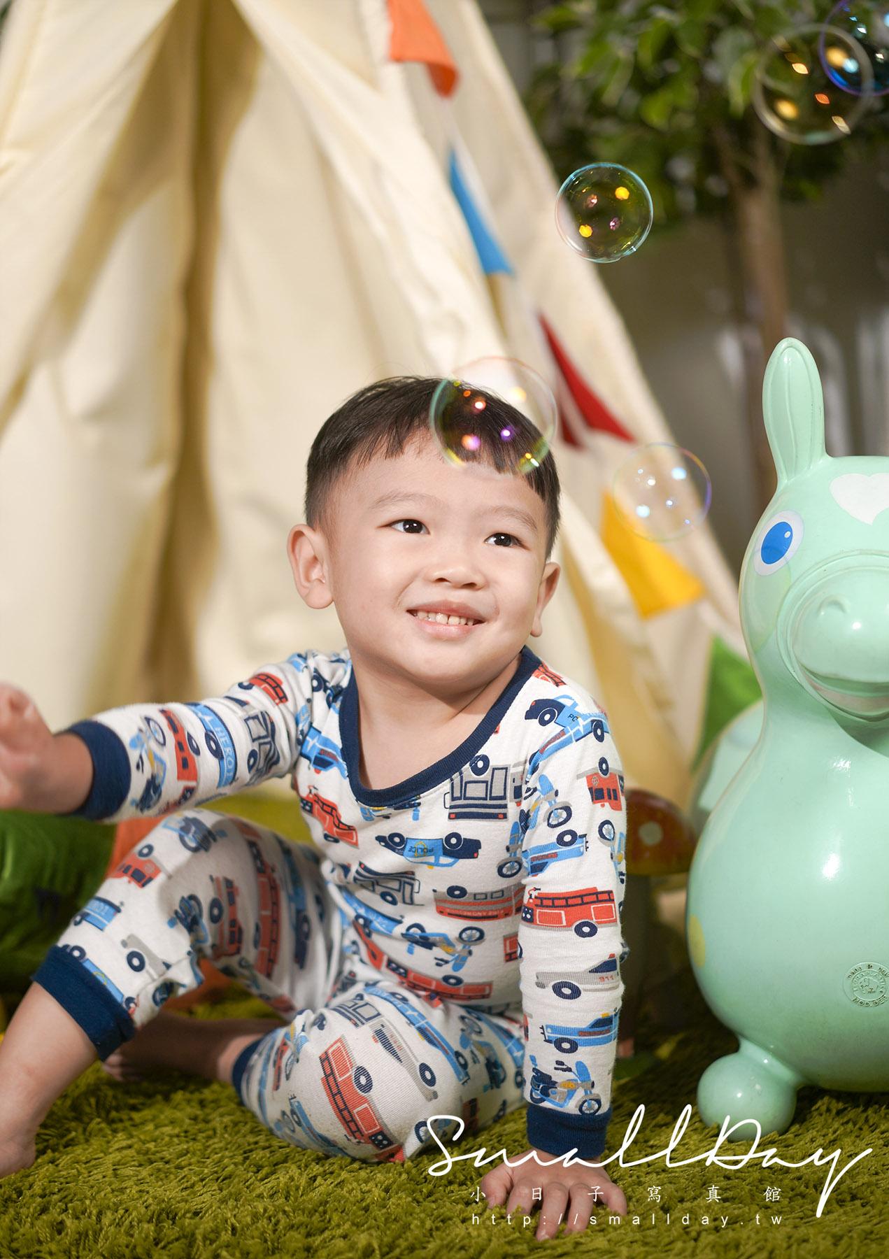 桃園、中壢、台北、新竹 兒童寫真、孕婦寫真、親子寫真、全家福專業攝影服務~001